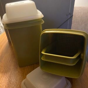 Tupperware LOT 2 PC - 3 Pc Pickle Keeper
